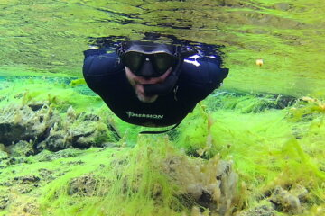 Silfra Wetsuit Snorkel tour - Freedive.is
